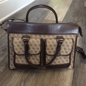 Dooney & Bourke handbag with shoulder strap
